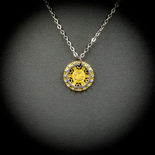 Godgifu close-up - Gwendolyne's Steampunk Gems necklace