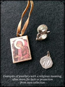 Jewellery with a religious meaning